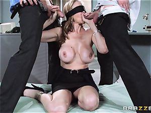 wondrous manager Julia Ann gets a dual creaming