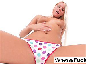 Vanessa box Plays With Her vulva