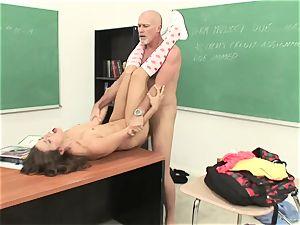 Izybella Blu gets her gullet crammed with hot jism
