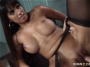 Mercedes Carrera pounds her daughters beau at work