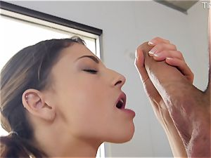 Picking up little Kristen Scott and gobbling her pinkish pussy out