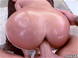 Jada Stevens getting lubed up and deeply dicked