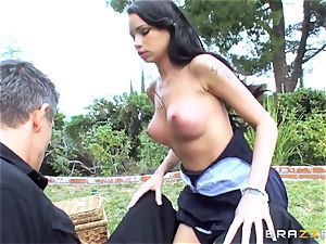 Picnic turns super hot and naughty for Raven Bay