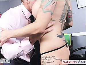Anna Bell Peaks wet at the office for a superb screw