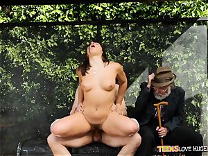 hilarious situation of coochie rammed daughter-in-law and her grandpa watches at bus stop - Abella Danger and Bill Bailey