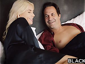 BLACKED wife Gigi Allens Takes Her first-ever phat dark-hued manmeat