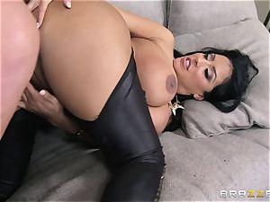 Phoenix Marie introduces Kiara Mia to anal invasion