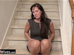 USAWives mature Rose luving her moist beaver alone