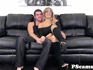 Bigtitted webcam babe Alyssa Lynn titfucked