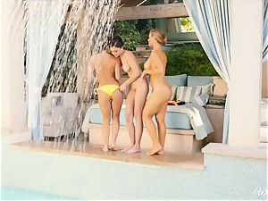 wondrous lezzies Nicole Aniston and buddies poolside beaver joy