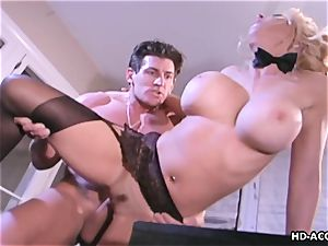 Kelly gets to be wedged deep by her man's sausage