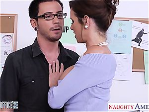 Vixen Veronica Avluv prepared for a orgy in the office
