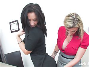 Jayden Jaymes satiates her stud buxomy chief Sara Jay