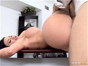 shaft gagging brit stunner Jasmine Jae poked in her booty