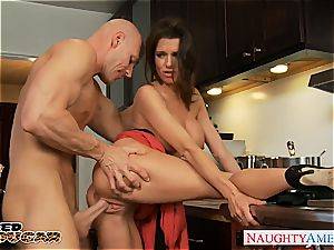 molten milf Veronica Avluv gets thick globes romped