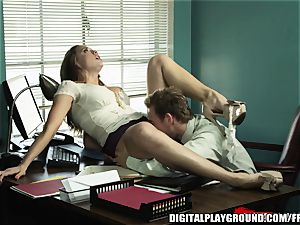 Every chief needs an worker like Chanel Preston