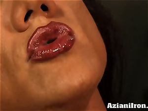 thick fit Amber rides the sybian saddle